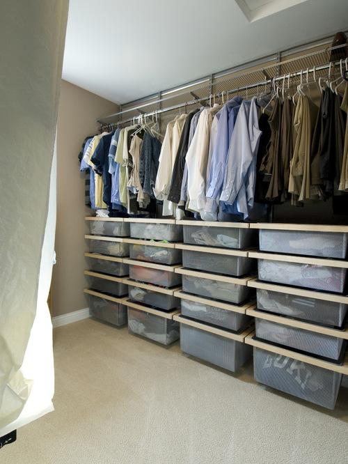 Сетчатые корзины в гардеробной